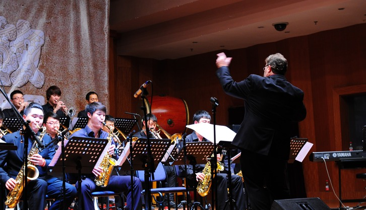 ERIC with the SHANGHAI CONSERVATORY of MUSIC (SCOM) Jazz Ensemble